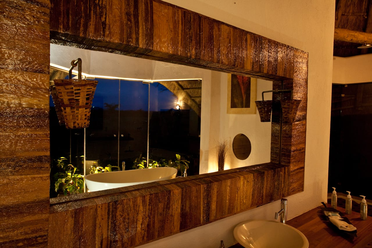Bathroom at night Solio Lodge
