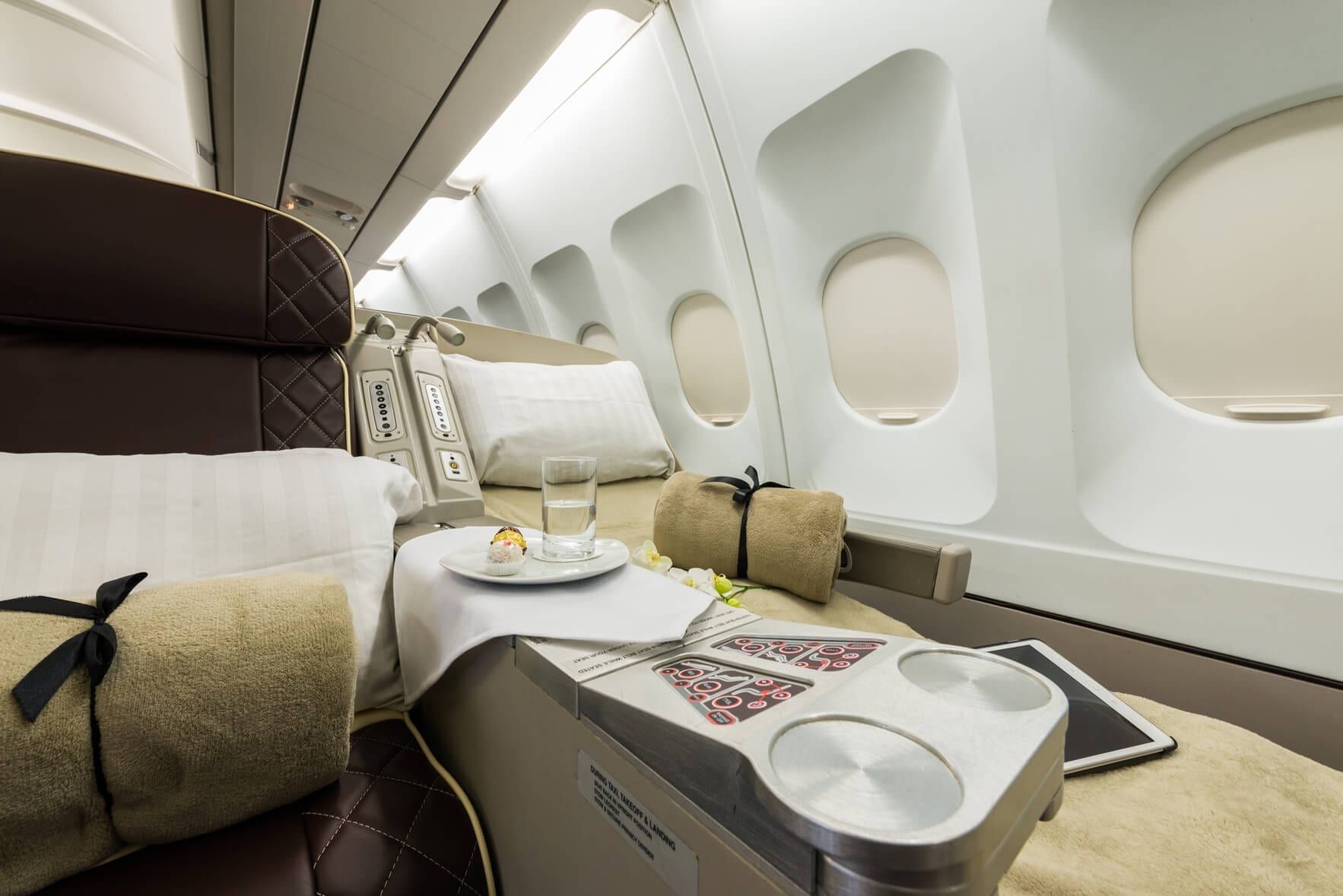 Luxurious and Comfortable searting in the Private Jet to the Maldives
